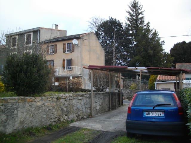 Montagne Noire - Fontiers-Cabardès - Hus