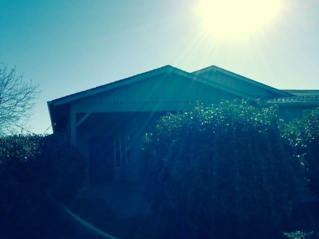 Home by Prescott Mountain Views Golf 2 bed/2 bath - Prescott Valley - Hus