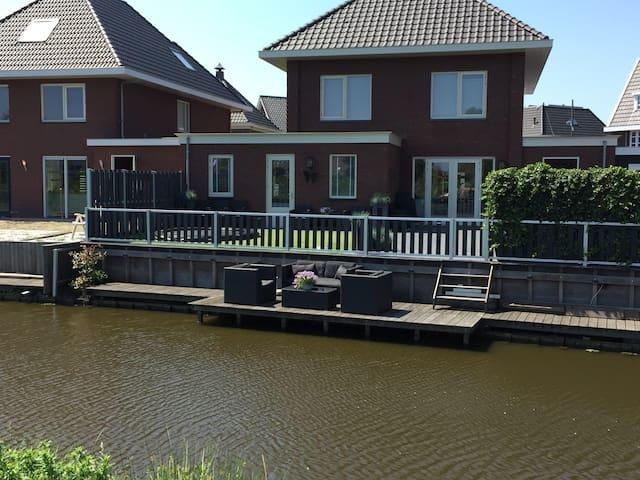 Nieuw appartement met tuin en vlakbij Amsterdam - Assendelft