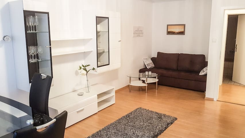 Central modern Apartment for up to 4 persons - Stuttgart - Gjestehus