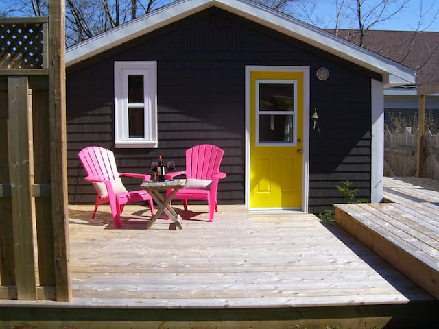 Cottage on Main St. Mahone Bay - Mahone Bay - Kabin