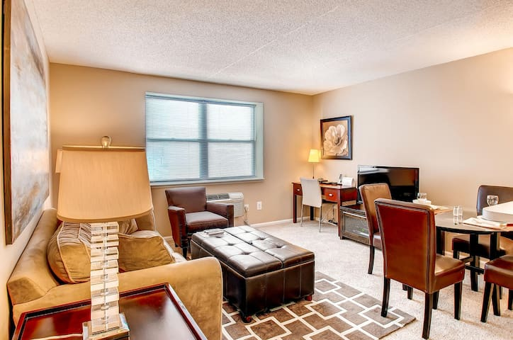 Lux Morristown 1BR w/gym & WiFi - Morristown