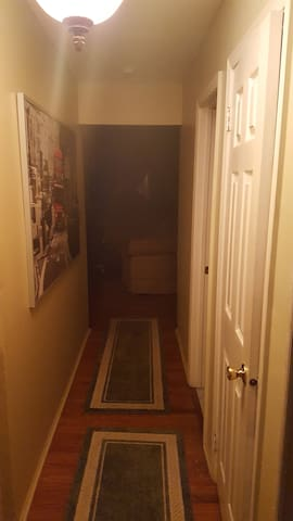 Private room in quite Townhouse community. - Hillsborough Township - Apartamento