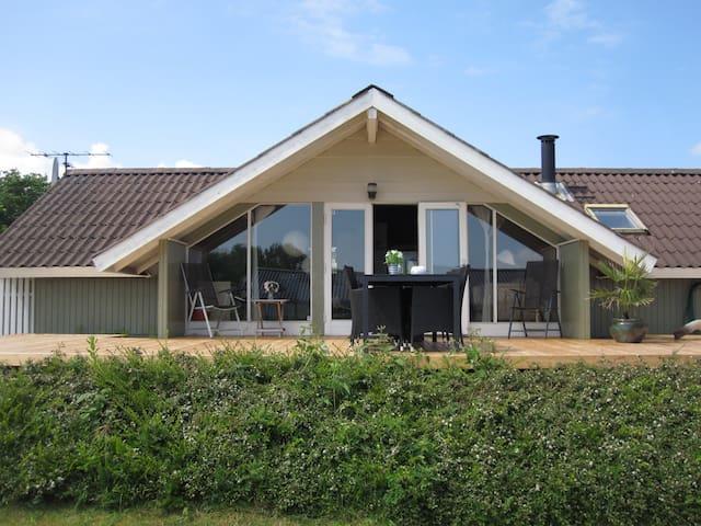 Summer house 2 min. from beach - Juelsminde - Cabaña