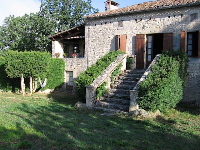 belle maison quercynoise en pierres - Mauroux - Huis