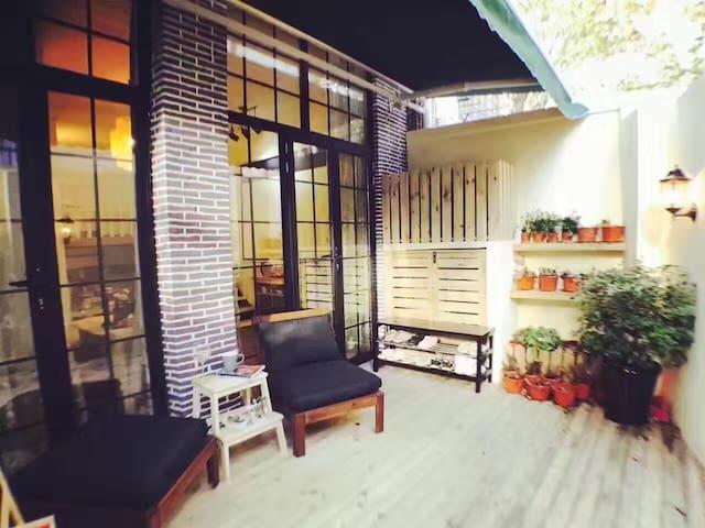 田子坊loft独门独院投影公寓,步行到1分钟到地铁站 - 上海 - Condomínio