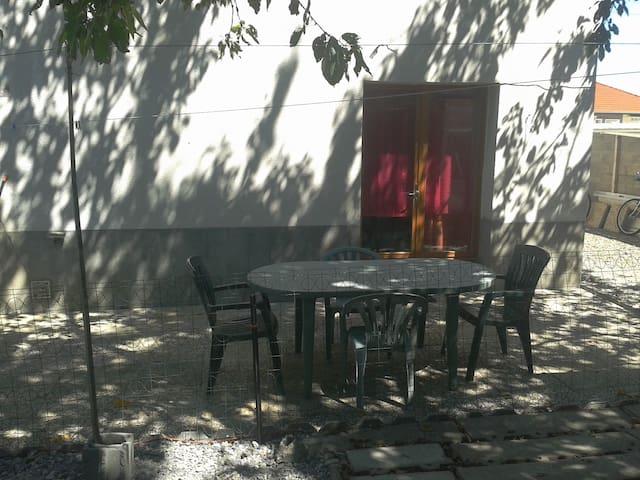 T2 individuel 43m2 avec terrasse, dans villa - Lempdes - Departamento