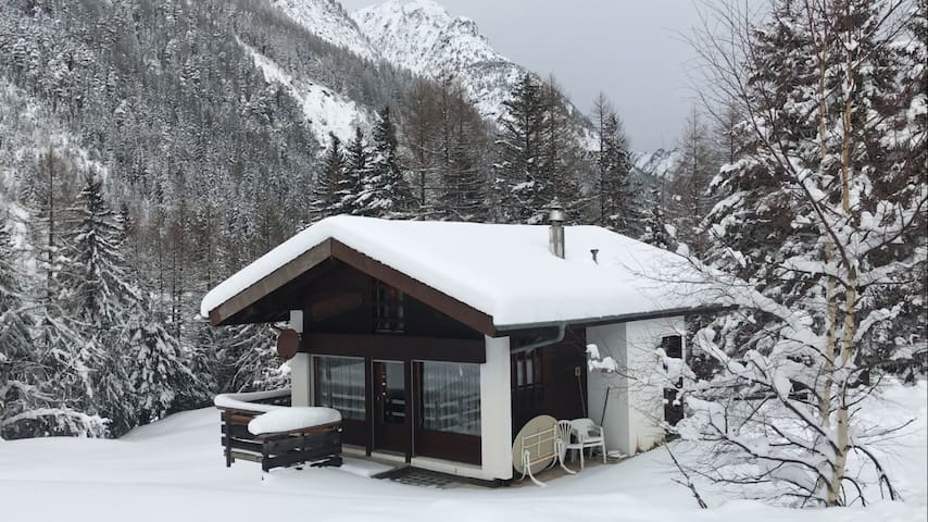 Holiday chalet in swiss alps for ski - Orsières - 牧人小屋