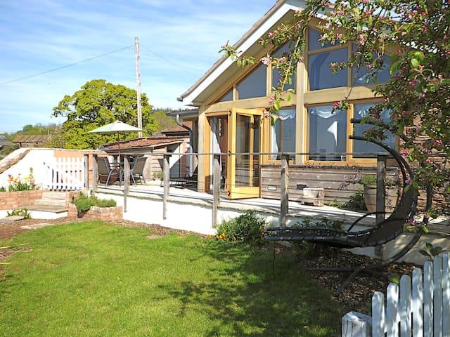 Grace Barn, Taunton - sleeps 4-5 - Cheddon Fitzpaine - Huis