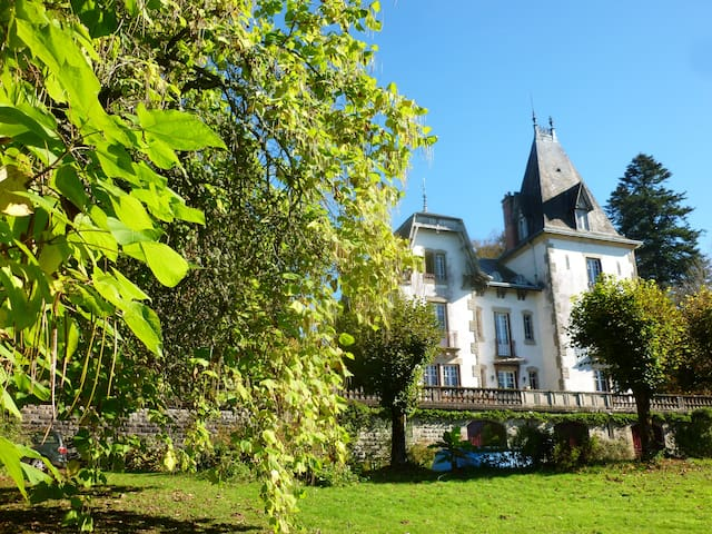 Nuit au chateau Saint Roch  - Ambazac - Şato