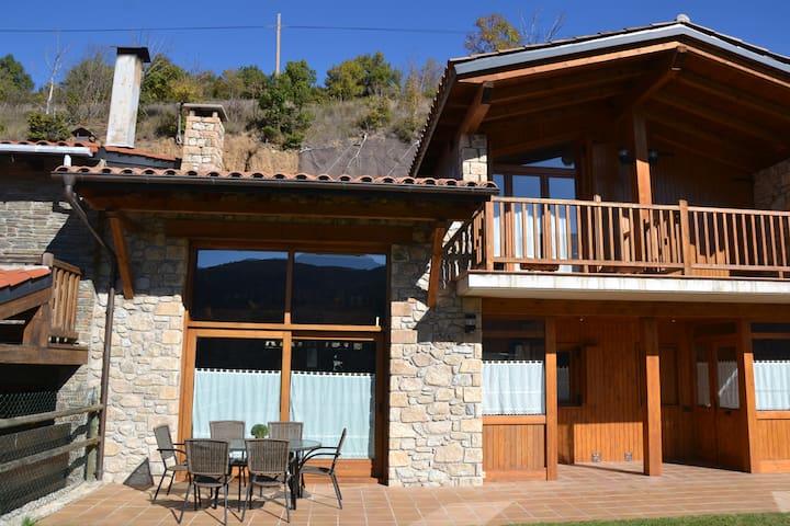 Casa para grupos en Martinet con vistas y soleada. - Martinet - Casa