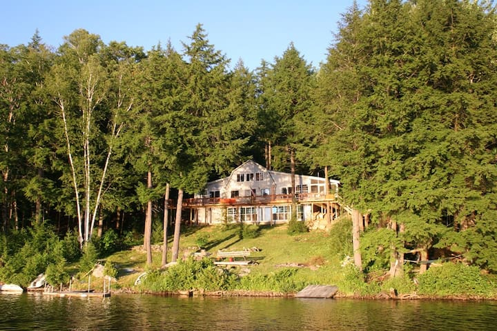 Private Lakefront Getaway in Central Maine - Chesterville - Houten huisje