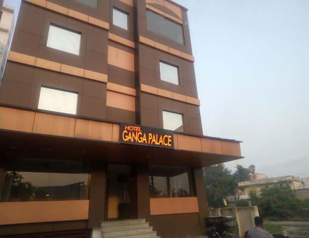 GANGA PALACE - Haridwar - Wikt i opierunek