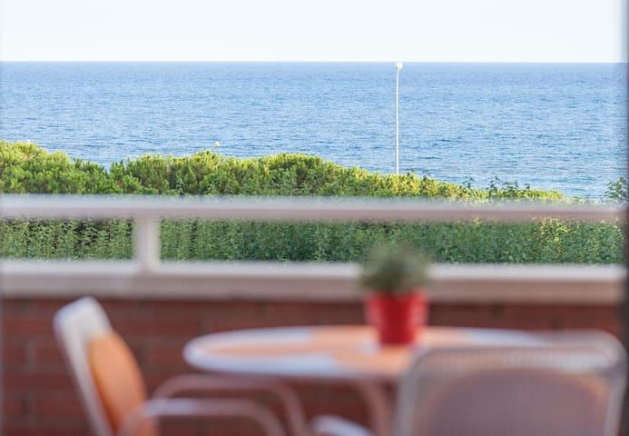 Apartamento a pie de playa amplio y familiar - Premià de Mar - Leilighet