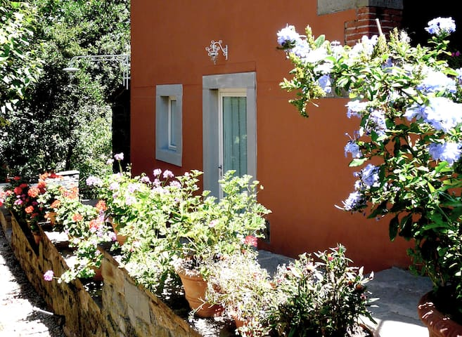 Intimo appartamento con giardino - Brollo - Leilighet