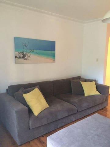 Fabulous, fresh apartment close to the sea - Cronulla
