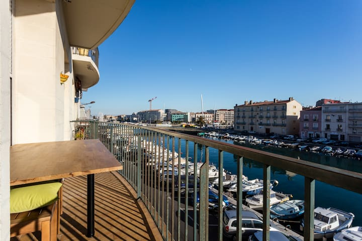 T3 Crossing with exceptional canal view - Sète
