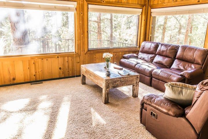 Peaceful Cabin in lush Nature - Evergreen - Rumah