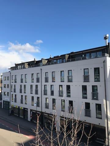 Penthousse, garage, elevator and verandah - Lillestrøm - Apartamento