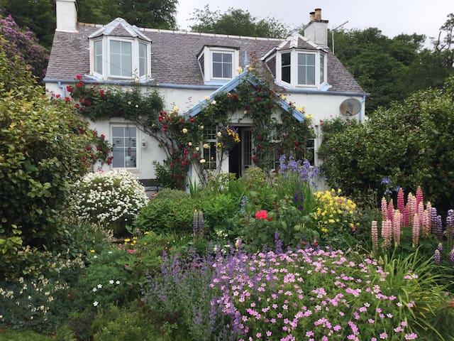 Part of a beautiful seaside cottage - Isle of Arran  - Bed & Breakfast