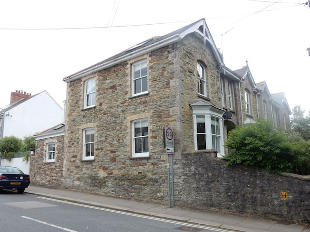 Victorian End of Terrace large Modern  House - Truro - Huis