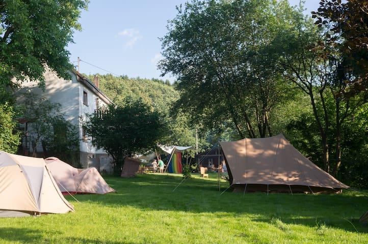 Groot vakantiehuis met extra tenten - Pfaffenseifen, Birkenbeul - Vakantiewoning