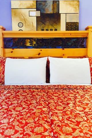 Modest room near Napa wine-country - American Canyon - Talo