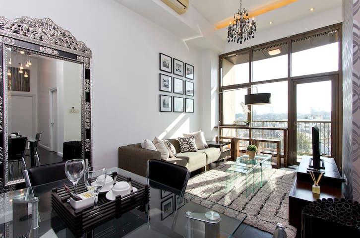 Rockwell's Sophisticated 2 Bedroom - Makati - Apartament