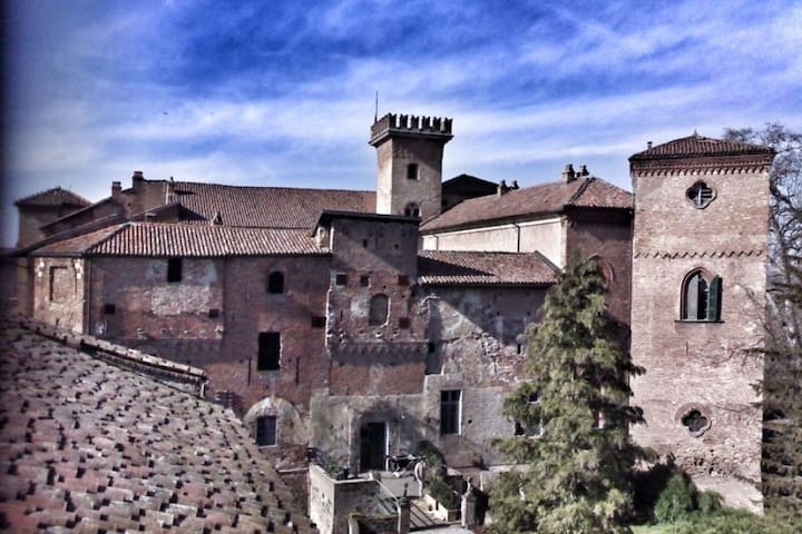 Castello Sannazzaro - Giarole - Kasteel