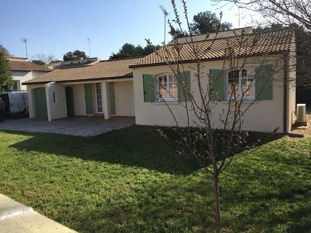 maison de plain-pied à Vergèze - Vergèze - Hus