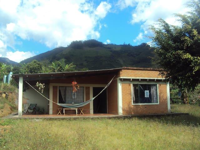 Casa o Cabaña de Descanso - El Guabo - Stuga