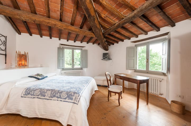 Farmhouse Florence w pool Cincio - Rufina - Bed & Breakfast