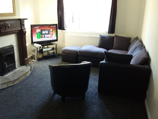 Semi detached House with Wifi - Newcastle upon Tyne