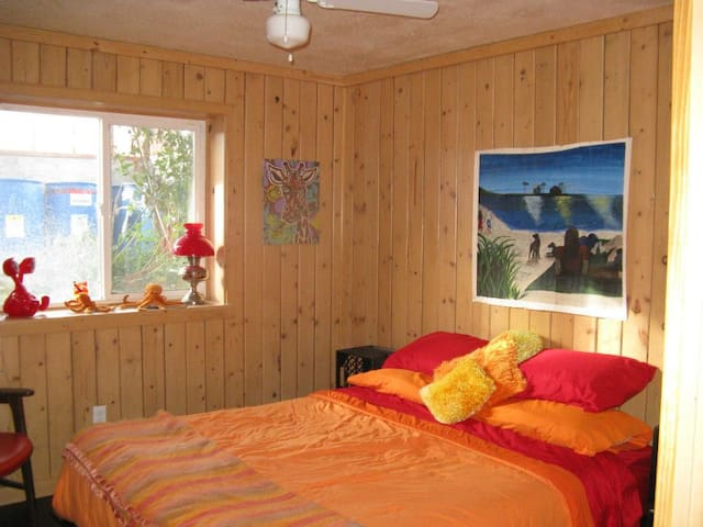 Private room in home on 10 acres - Lava Hot Springs - Hus