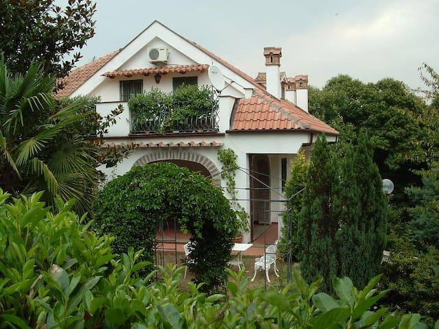 VILLA ANNA Zagarolo - Zagarolo - Vila