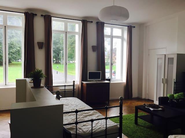 Grand studio au sein du château de Pretreville - Gonneville-sur-Honfleur - Apartamento