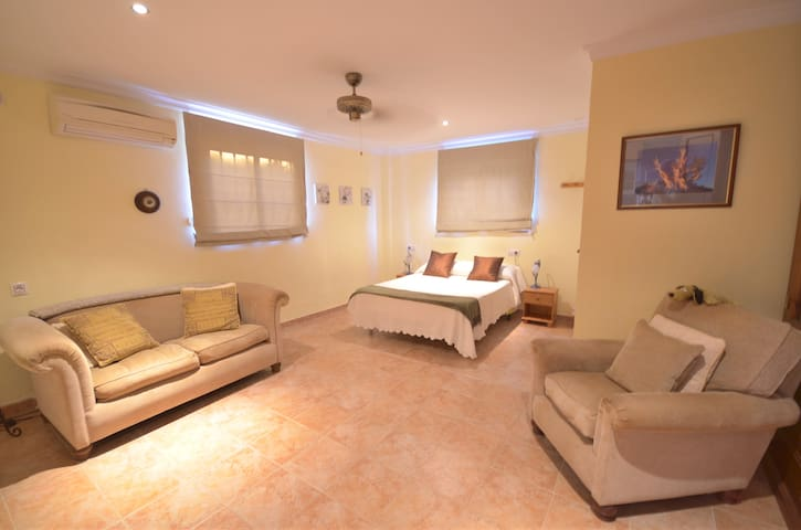 Private Studio apartment for two in Algodonales. - Algodonales - Appartement