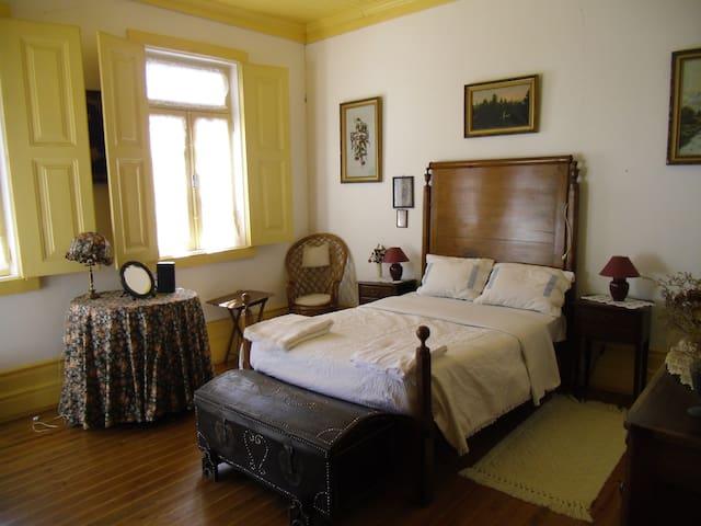 Classic & comfortable House in the Douro Valley - São João da Pesqueira Municipality - Hus