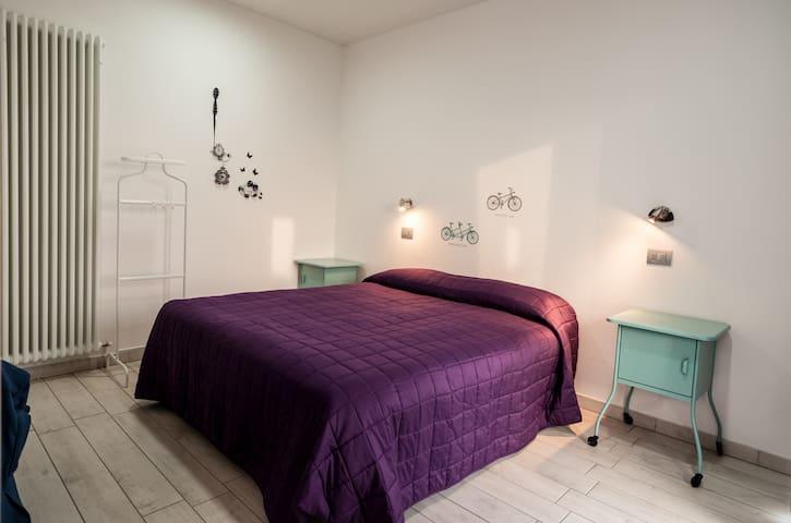 IGDR Green Room Elegant w breakfast - Ferrara