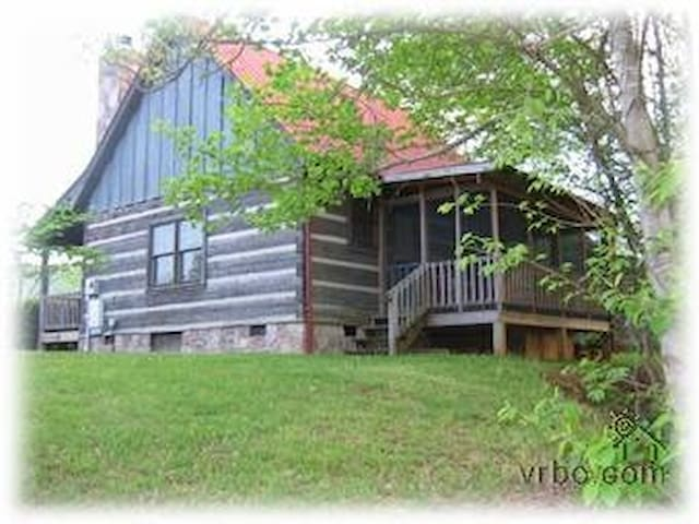Sheila's Cozy Cabin May7-11,21-25 open! Only $99! - Sevierville - Kulübe