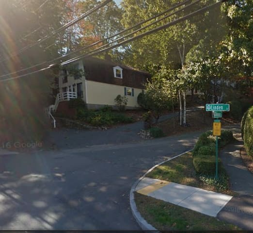 Cozy Family home - Wellesley