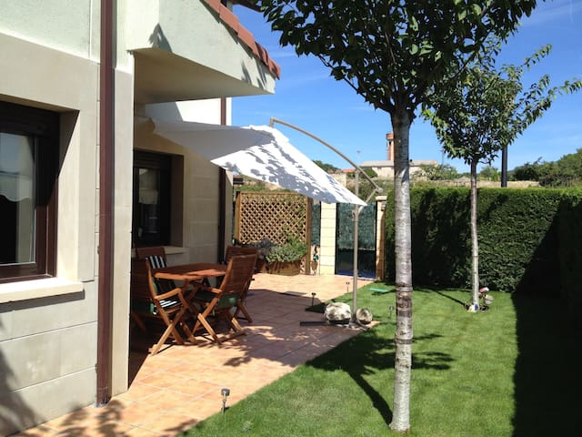 Relax y difrute en La Rioja - Sajazarra - Rumah