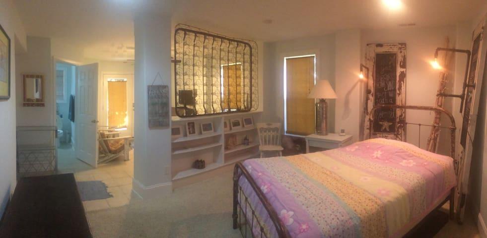 Cozy Beach Walk Suite - Kure Beach - Гостевые апартаменты