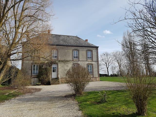 Belle demeure à proximité de Chartres - Gas - Hus