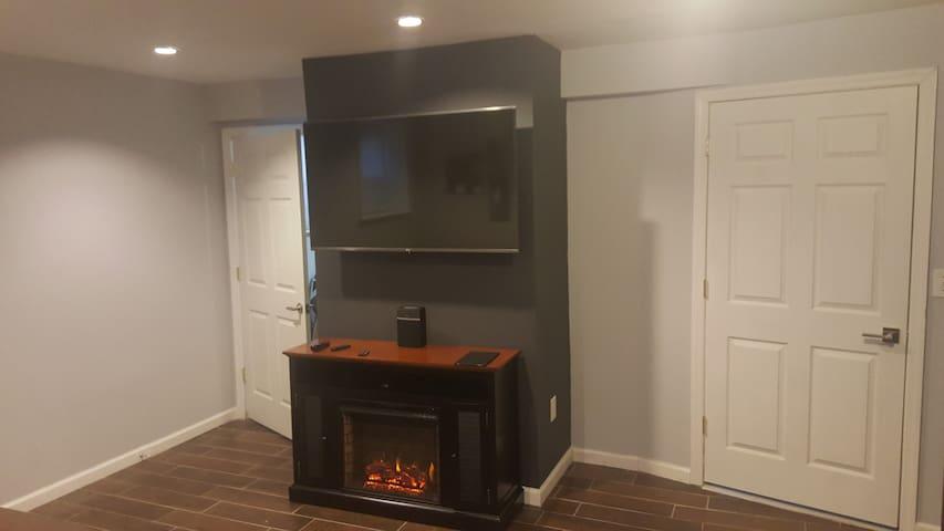 The Clean Comfortable Modern Lounge - Queens - Lägenhet