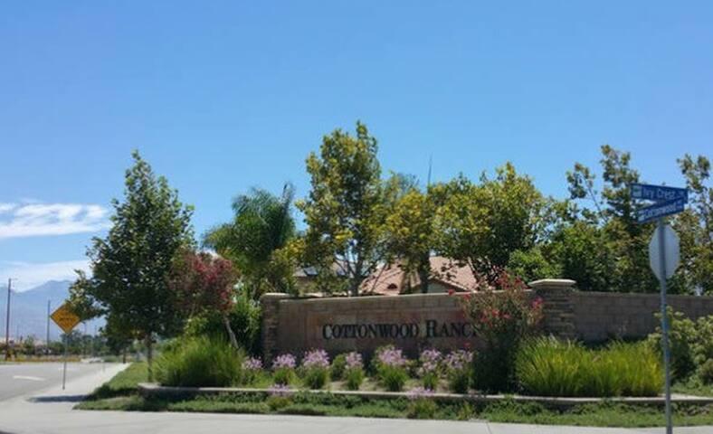 Private Home in secure neighborhood. - San Jacinto - Huis