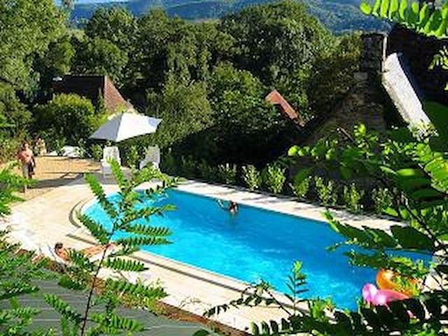 Belle maison de caractère, piscine chauffée 7pers. - Nonards - Ev