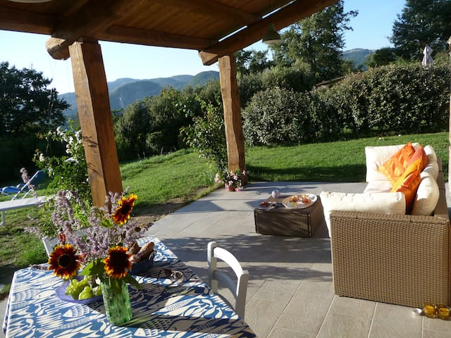 Tuscan hideaway with amazing views! - Triana - Huis