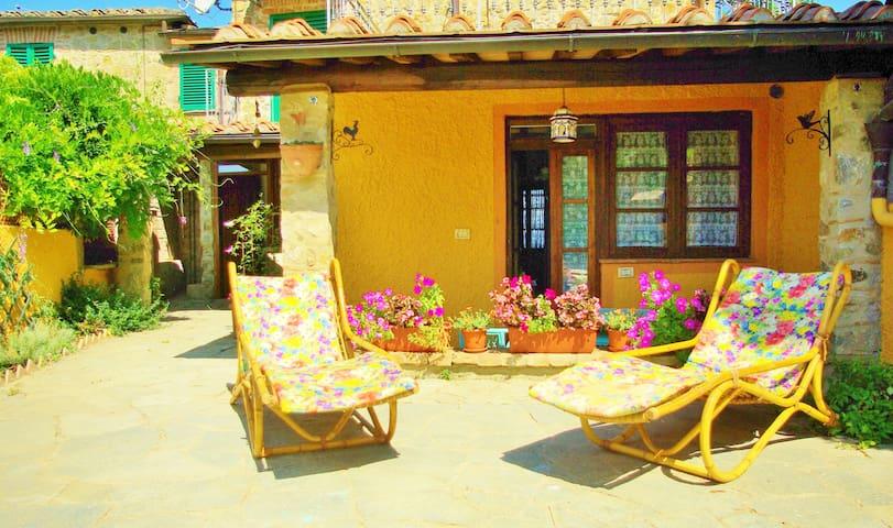 Luminoso appartamento nelle verdi colline di Siena - Poggio Lodoli - Lägenhet