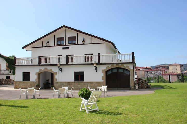 Beautiful house near to San Sebastian - Errenteria - Huis